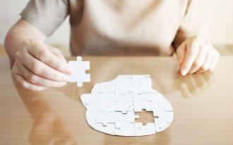 Деменция: причины, симптомы, стадии и лечение